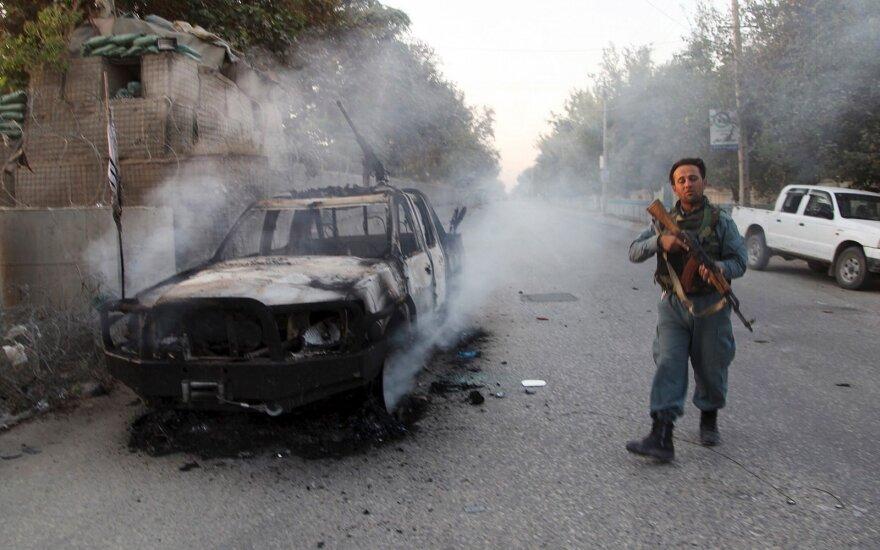 В день выборов в Афганистане погибли десятки человек