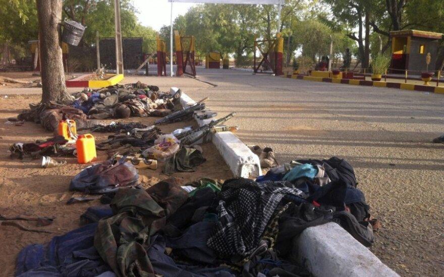 Nigerijoje per islamistų kovotojų reidą žuvo 55 žmonės