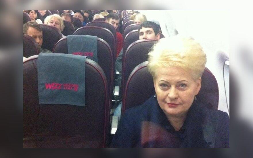 В России активно обсуждают фото Грибаускайте в эконом-классе