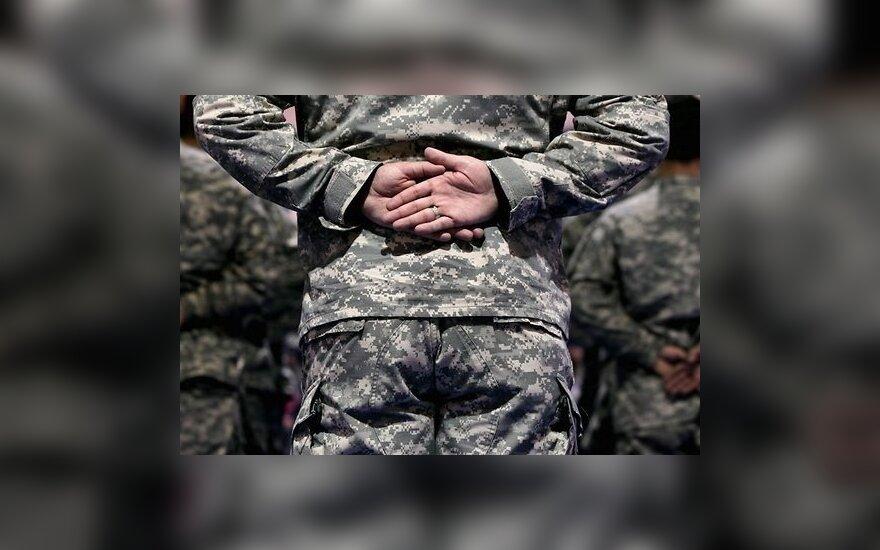 Генерал США изменил жене и лишился должности