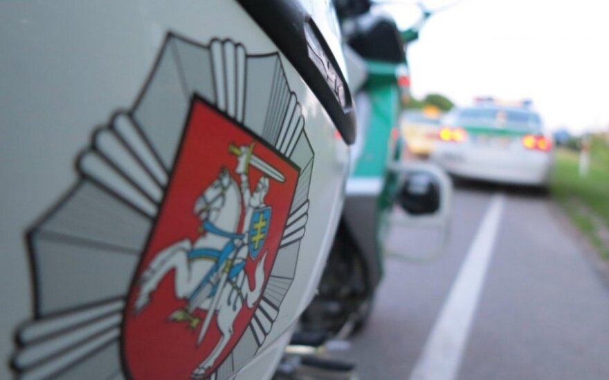 Полиция просит помощи в опознании человека, укравшего 10 000 евро