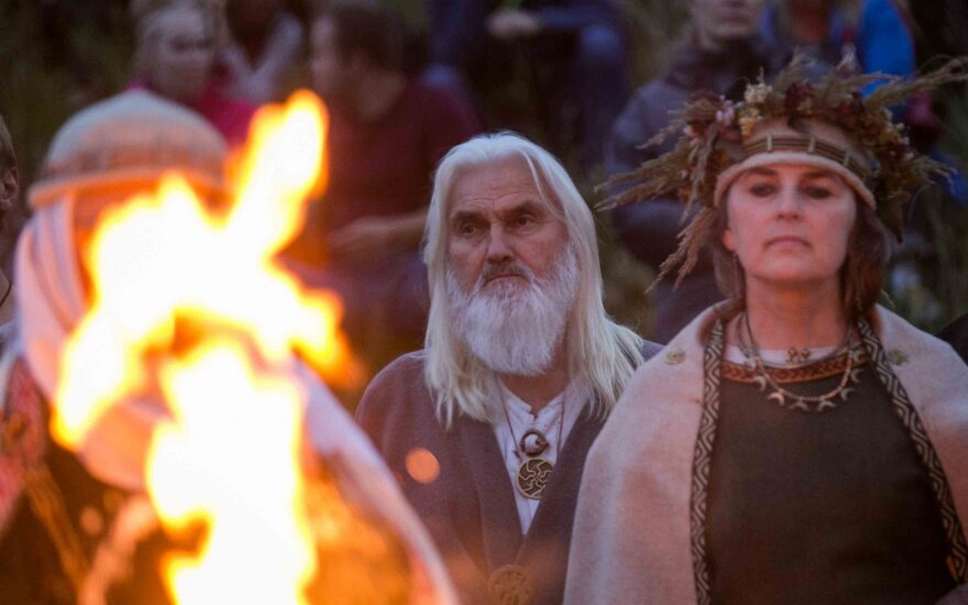 На празднике Ивана Купалы в Кернаве возвестили о том, что дни будут становиться короче