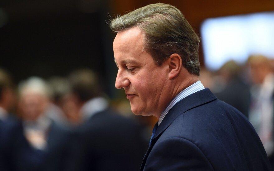 """Кэмерон - Корбину: """"Ради всего святого, уходи!"""""""