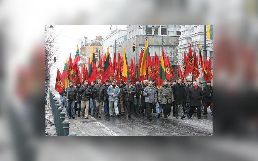 """""""Фронтовики"""" прошли по Вильнюсу"""