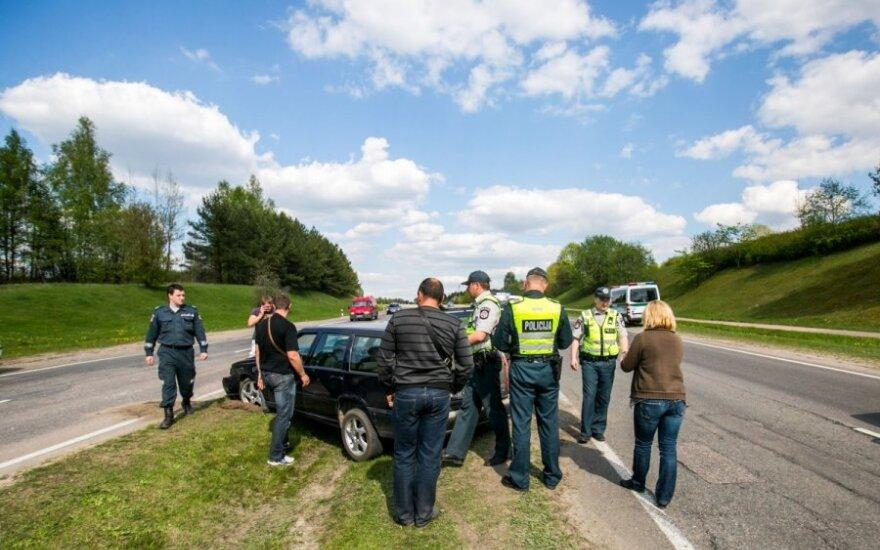 В Вильнюсе столкнулись VW Passat и Volvo