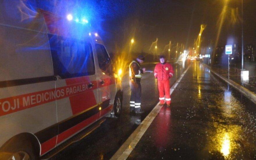 Klaipėdoje sunkų ligonį vežęs medikų automobilis užmušė stirną