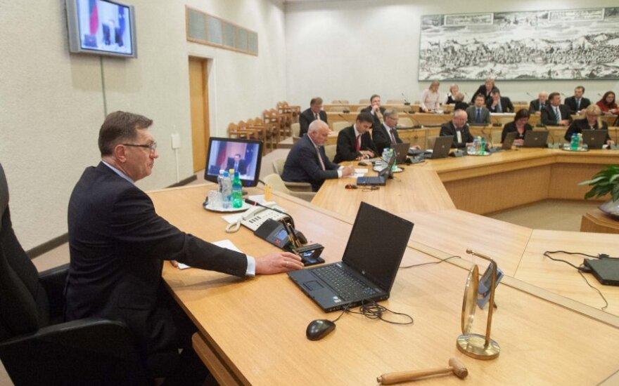 Шаджюс: зарплаты госслужащих и чиновников в следующем году не вырастут