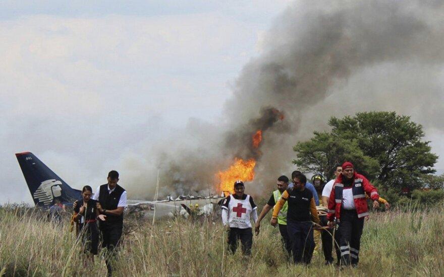 В Мексике при взлете разбился пассажирский самолет. Все живы