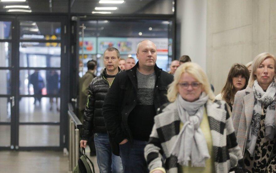 Новые правила: с понедельника не надо изолироваться возвращающимся в Литву из 9 стран