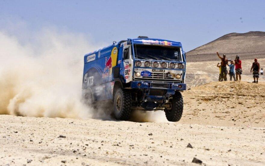 Дакар-2014: за два этапа до финиша КАМАЗ обошел Iveco
