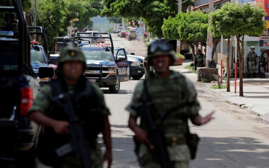 Meksikos kariai patruliuoja Culiacano gatvėse