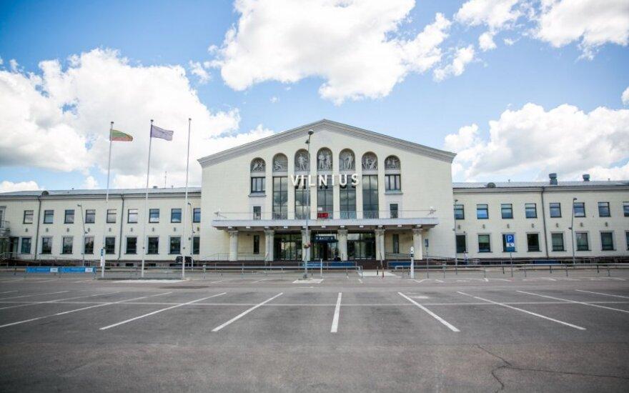 Связанный с террористами гражданин Таджикистана все еще находится в Вильнюсском аэропорту