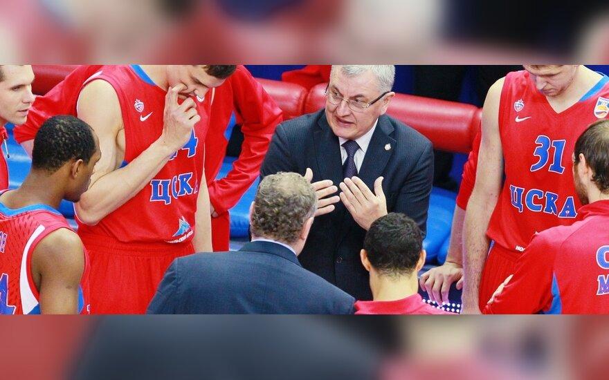 Jonas Kazlauskas su CSKA krepšininkais