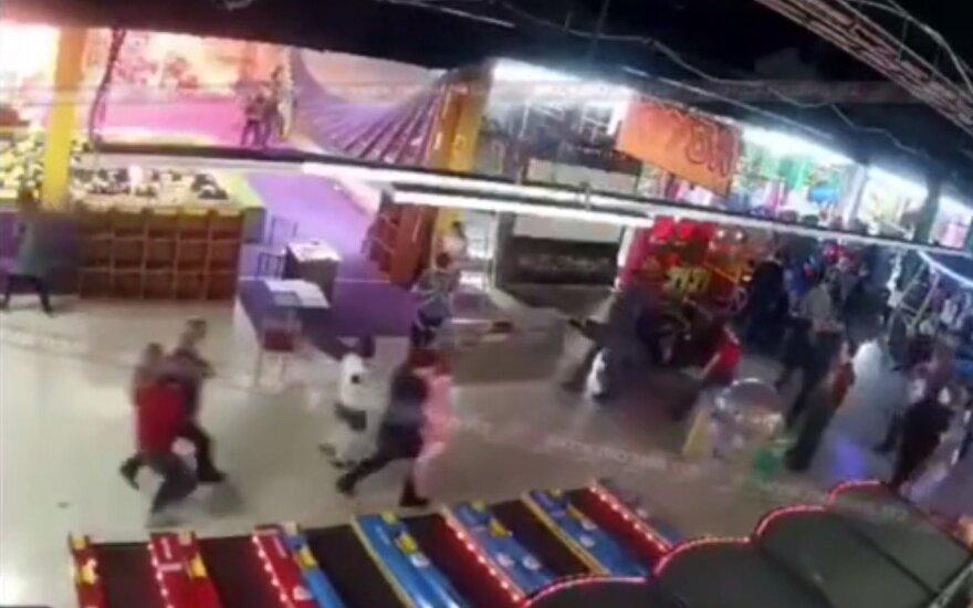 """Что привело к 64 жертвам во время пожара в ТЦ """"Зимняя вишня"""" в Кемерово"""