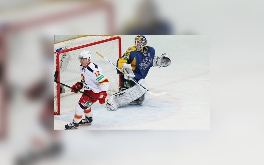 За сборную США на ЧМ-2015 сыграют три студента и лучший снайпер КХЛ