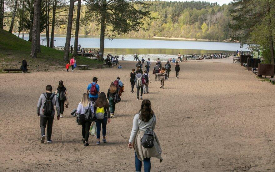 С 1 июня в Литве предлагается разрешить мероприятия на открытом воздухе с участием до 300 человек