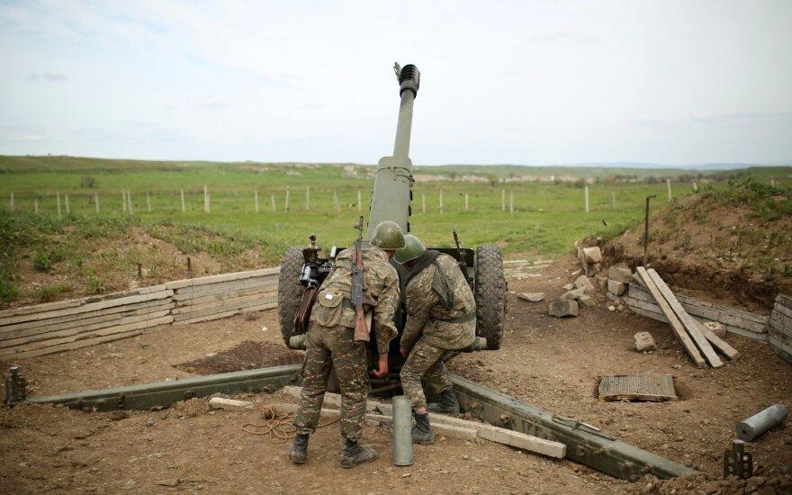 Азербайджан и Карабах заявляют о нарушениях перемирия