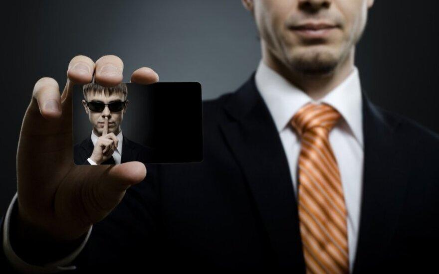 """Агентов MI6 обучили правилам поведения при встрече с """"русскими шпионами"""""""