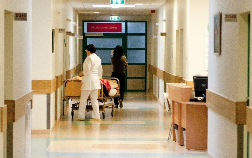 Мать пострадавшей в Каунасской клинике девушки: нас просили не разглашать информацию, предлагали компенсацию