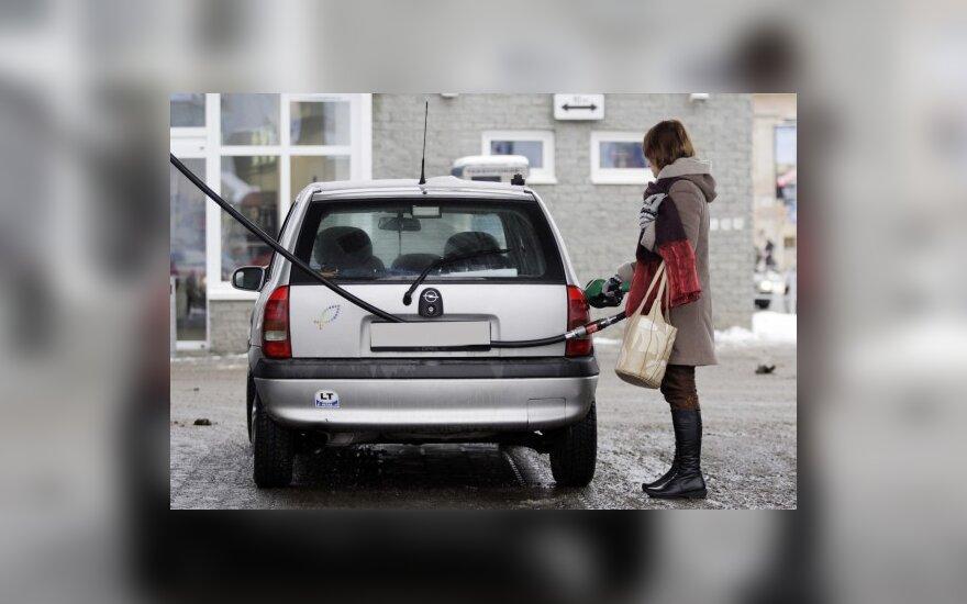 Литовский бензин в Латвии на 40 центов дешевле