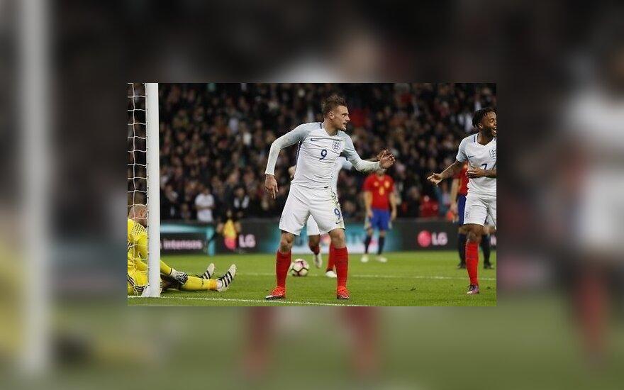 ВИДЕО: Забив гол, футболисты Англии стали манекенами, а потом упустили победу