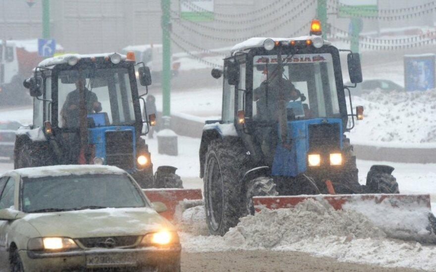 Небывалый снегопад в Москве привел к 9-бальным пробкам