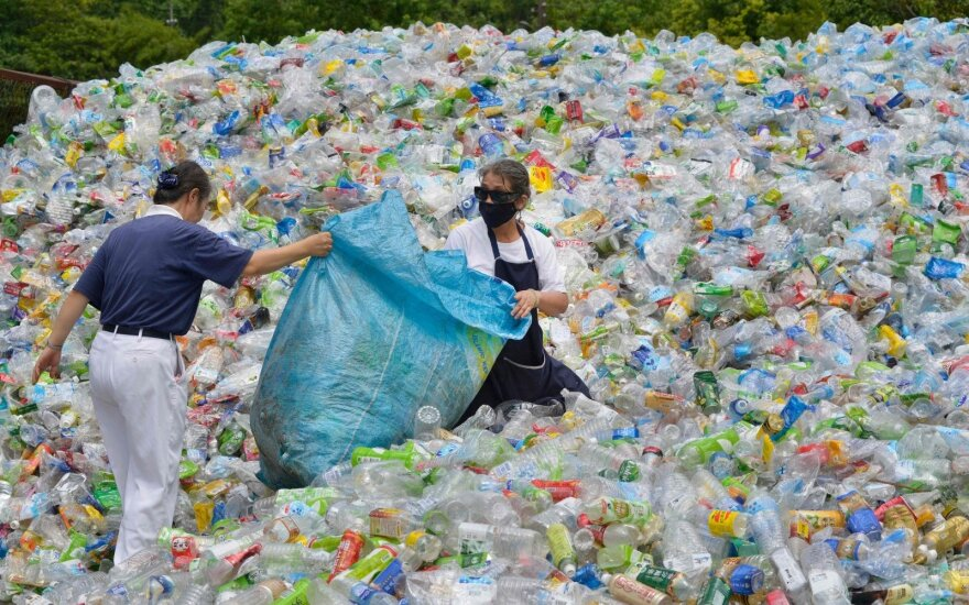 Европарламент принял законопроект о борьбе с пластиковыми отходами