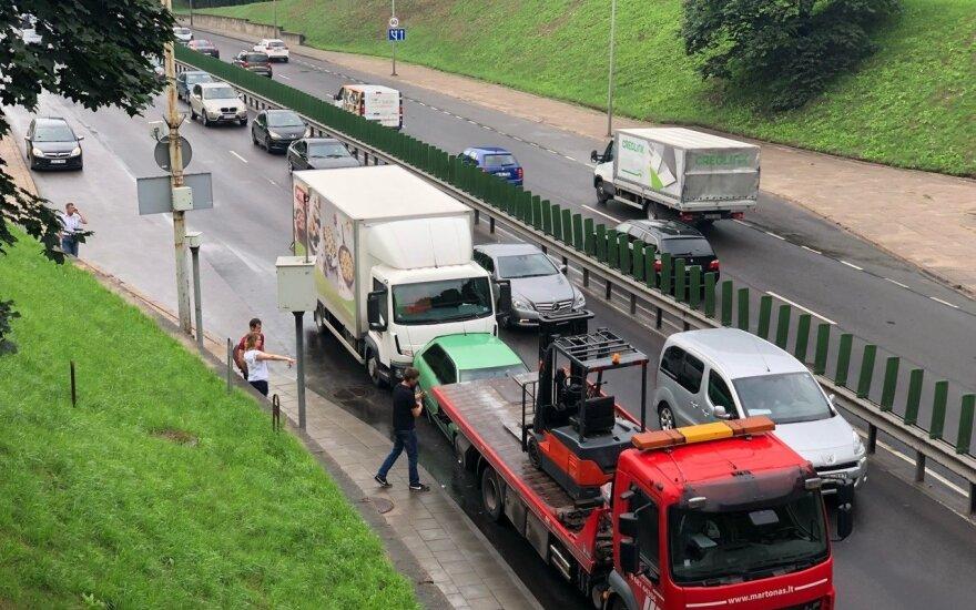 В Вильнюсе столкнулись четыре автомобиля