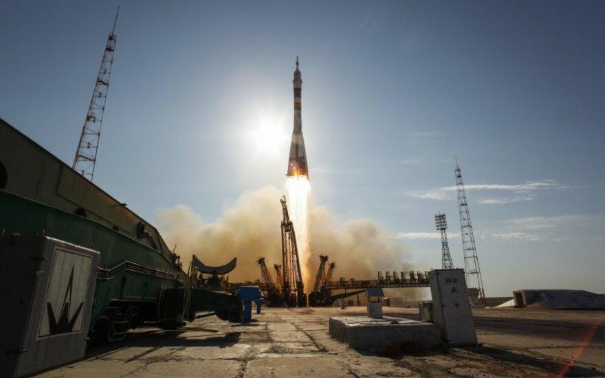 """Raketos """"Sojuz"""" pakilimas"""