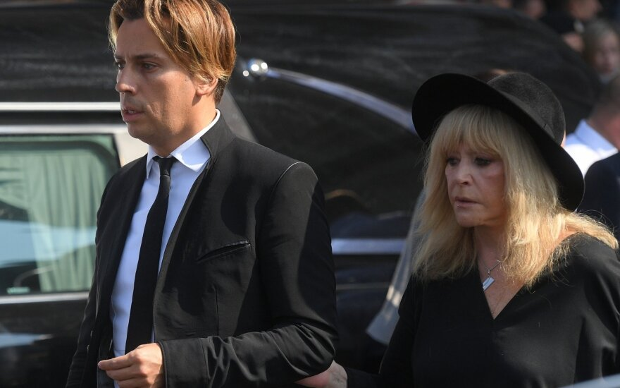 СМИ: Пугачева готовится развестись с Галкиным
