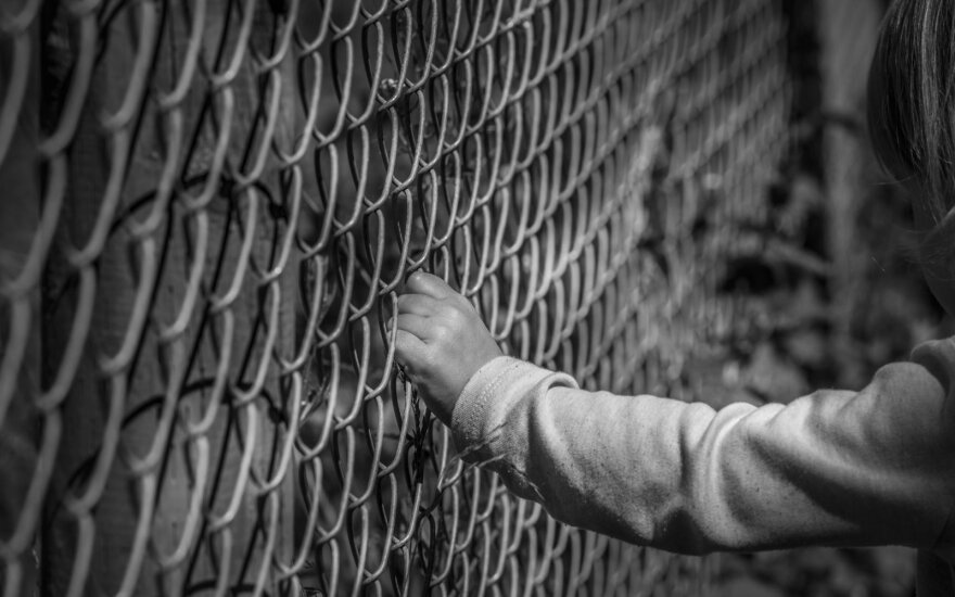 В вильнюсской школе начато расследование: выясняют, точно ли учитель закрыла девочку в туалете