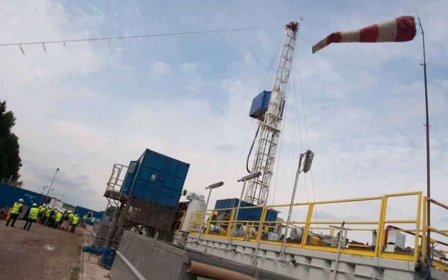 Naftos ir dujų paieškos platforma (šiais įrenginiais galima išgauti ir skalūnų dujas)