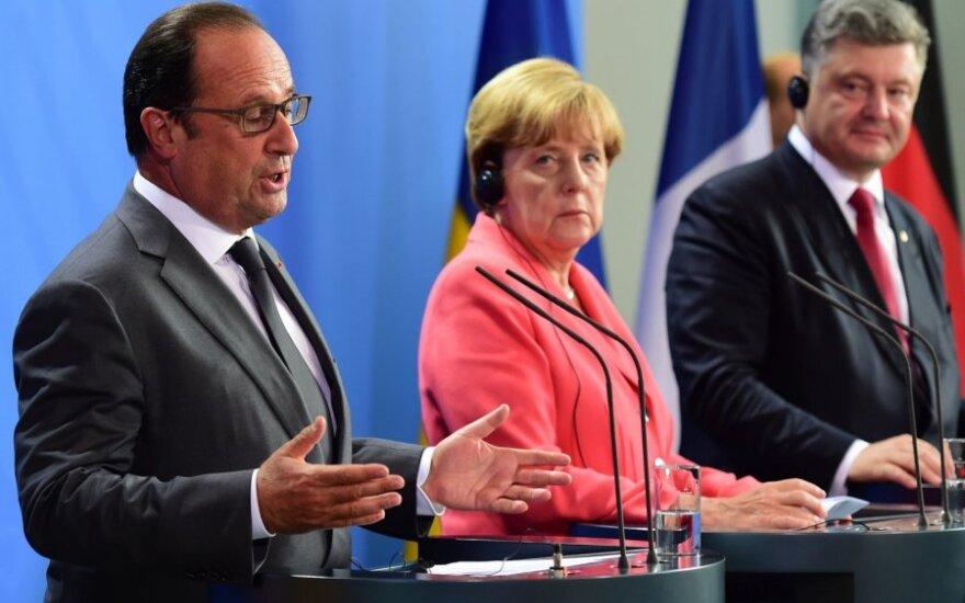 A. Merkel, P. Porošenka ir F. Hollande'o susitikimas Berlyne