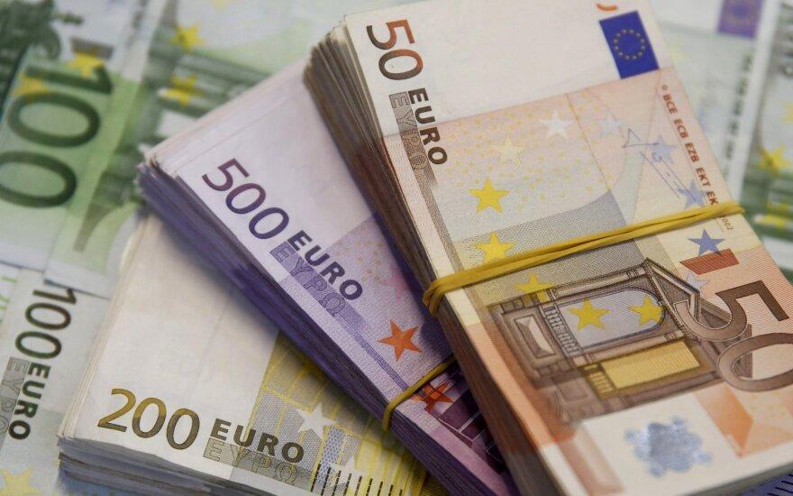 В декабре шесть работодателей платили работникам больше 10 000 евро