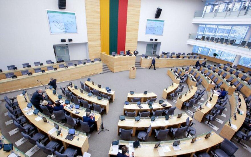 Портрет среднестатистического кандидата в парламент Литвы: образованный мужчина 50 лет