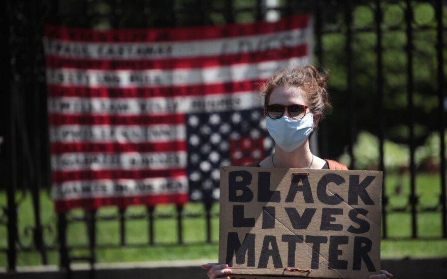 Трамп поддержал идею ограничить использование удушающих приемов полицией