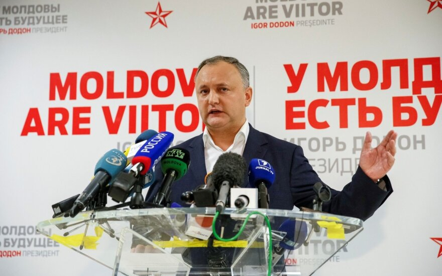 """Додон: НАТО пытается через Молдову """"как можно ближе подобраться к границам РФ"""""""