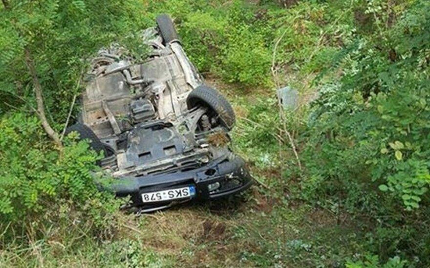 Трагедия в Каунасском районе: перевернулся автомобиль, один человек погиб