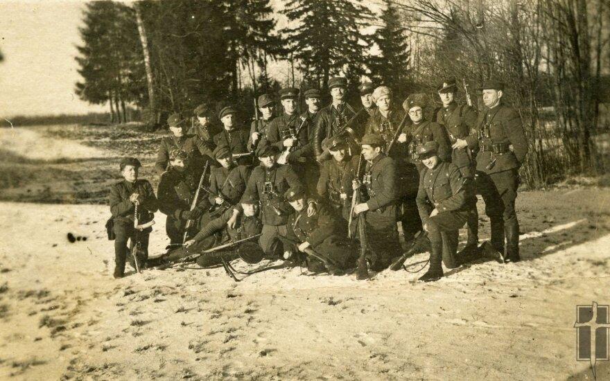 Vakarų ir Pietų apskričių partizanai pakeliui į partizanų vadų susitikimą, Okupacijų ir laisvės kovų muziejaus nuotr.