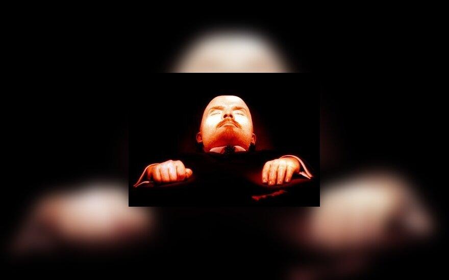 Тело Ленина останется лежать в мавзолее на Красной площади