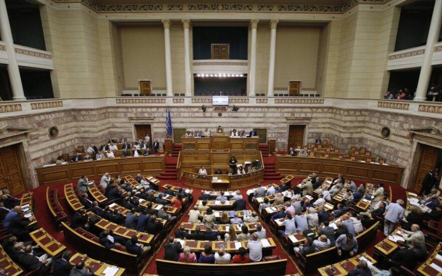 Греческий парламент согласился на условия помощи Евросоюза