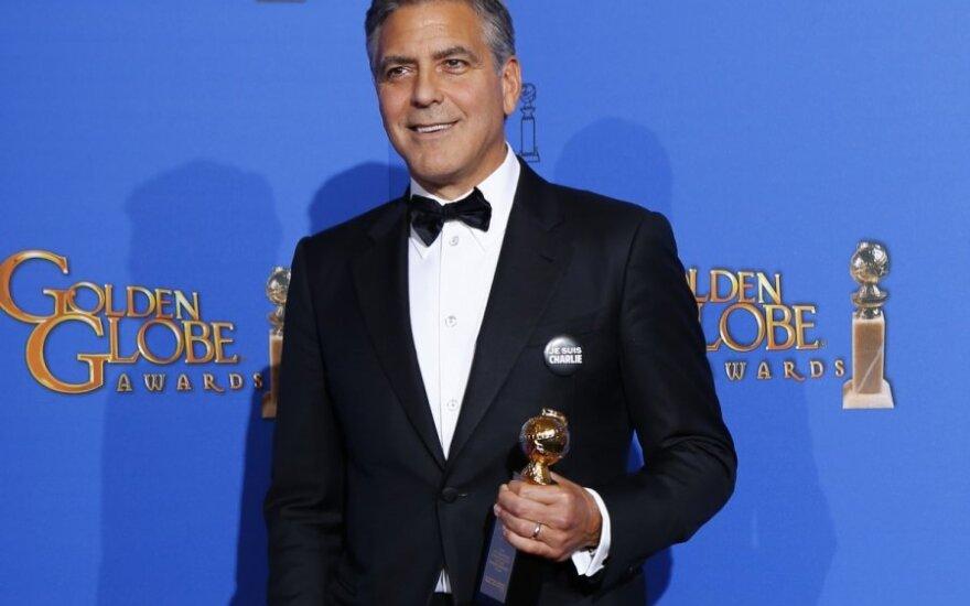 Джордж Клуни подарил родителям собаку из приюта