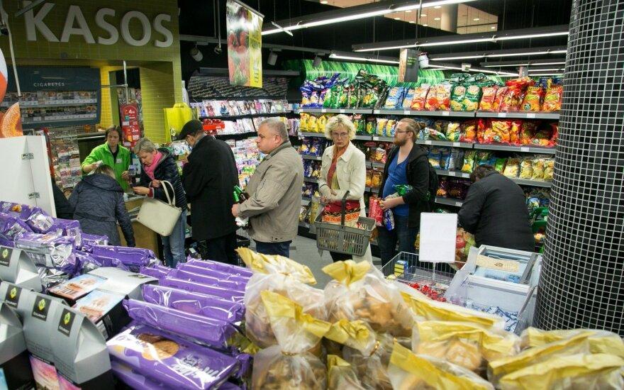 Меняются привычки покупателей в Литве: некоторые магазины планируют использовать как склады и готовить заказы ночью