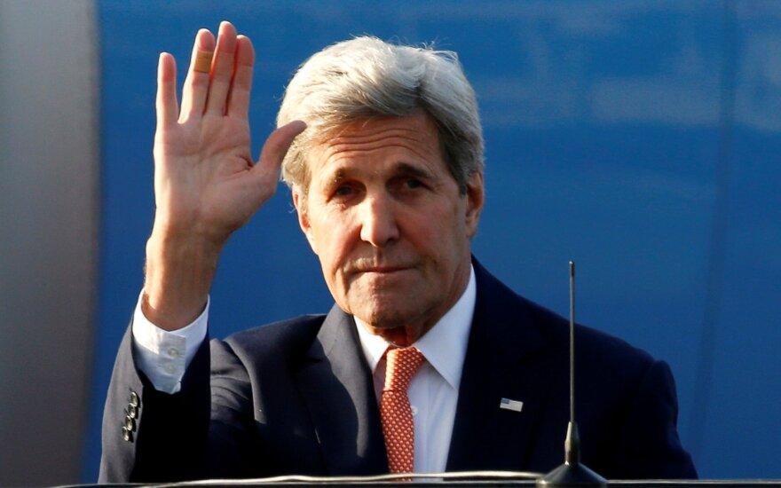 J. Kerry atvyko  į Maskvą