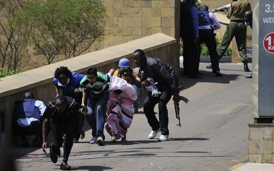 Кения: силы безопасности взяли под контроль Westgate