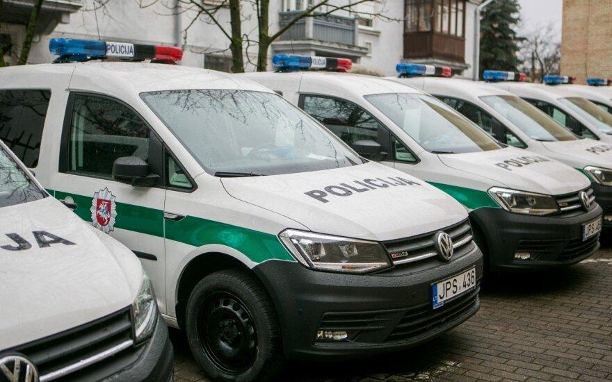 Вильнюсская полиция продает с аукциона машины и сено