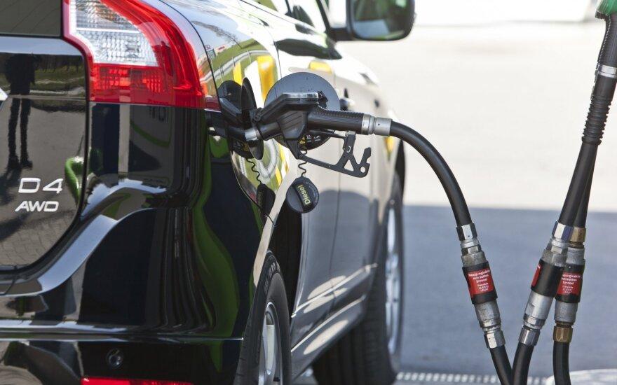 Клиент сомневается в указанном в чеке количестве бензина