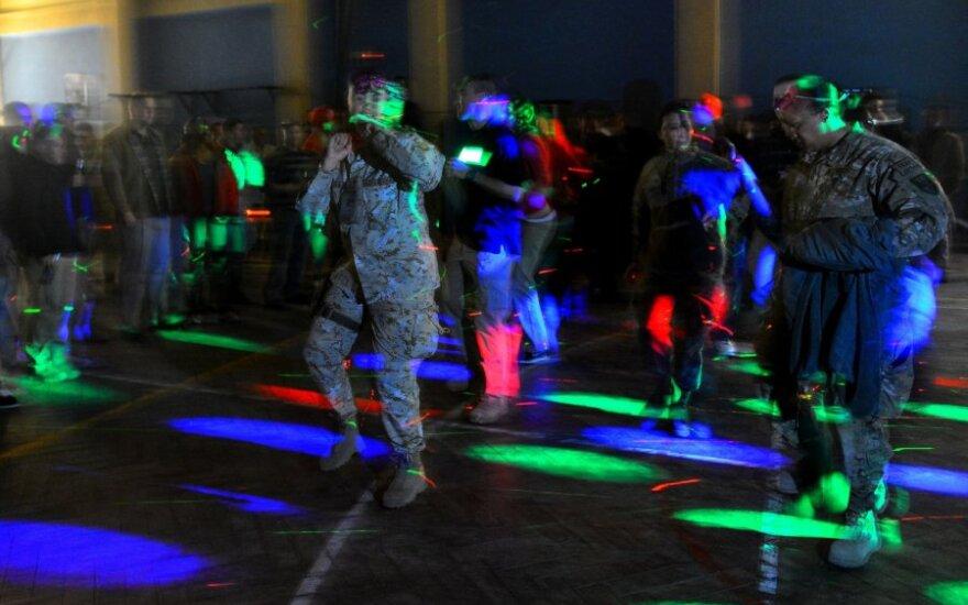 Naujuosius metus Afganistane švenčia NATO kariai
