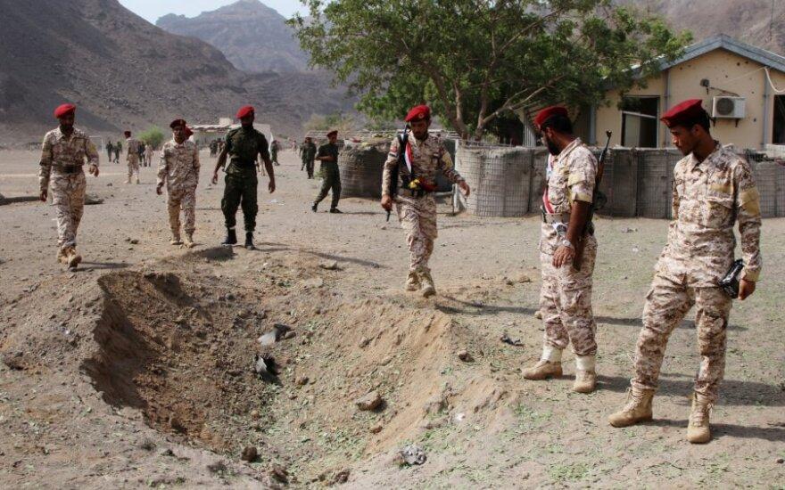 "Per ""Al-Qaeda"" išpuolį Jemene žuvo 19 žmonių"