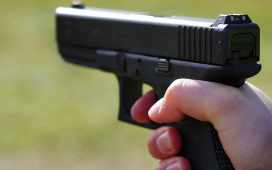 Мужчина угрожал убить сожительницу и выстрелил